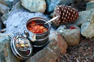 Camping Kochgeschirr im Einsatz